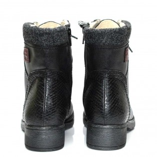 Черни дамски зимни боти JANA - тип турист 25261DJ17