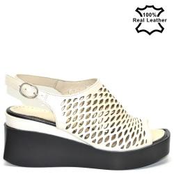 Дамски сандали платформа бежови-седеф естествена кожа F182b