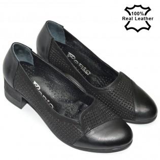 Ежедневни дамски обувки от естествена кожа в черен цвят F222