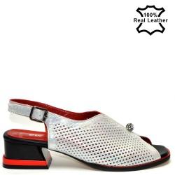 Ниски, елегантни, бели дамски сандали естествена кожа F521