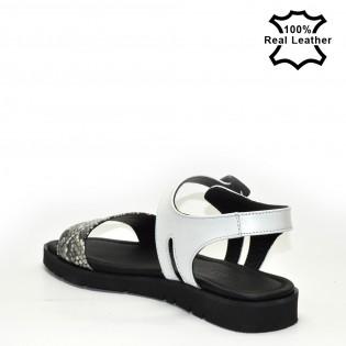 Равни, олекотени дамски сандали бяло-змия принт L1657