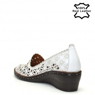 Бели ортопедични дамски обувки платформа L5010w