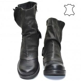 Дамски боти от черна естествена кожа - 09bi16
