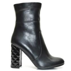 Елегантни дамски боти в черно на висок ток - 256ke16