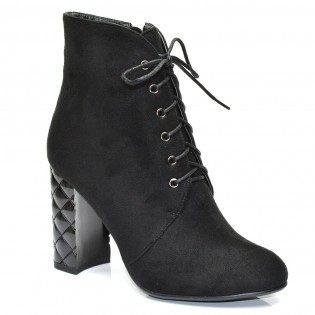 Шикозни дамски боти в черно на висок ток - 268ke16