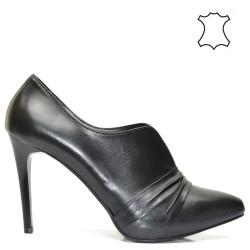 Шикозни дамски обувки в черно на висок ток - 300Bt16