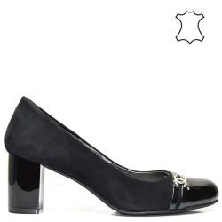 Елегантни ниски черни дамски обувки от естествена кожа 49BM16