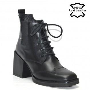 Елегантни луксозни дамски боти в черен цвят - L13620