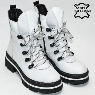 Бели дамски боти-кубинки LA2510
